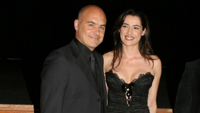 Matrimonio In Ferrari : Luca zingaretti si sposa a ragusa barbara sudano guida
